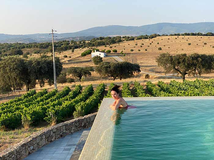 Infinity pool en el alojamiento rural Casa da Urra en Portalegre, Portugal