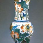 Qing-dynasty multicolored flower-and-bird zun (wine vassel) from Jingdezhen