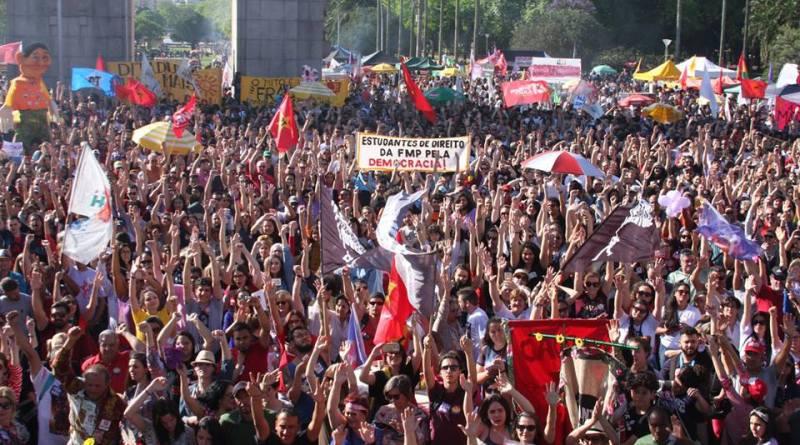 APOIO DO SINSERCON/RS AO ESTADO DEMOCRÁTICO DE DIREITO