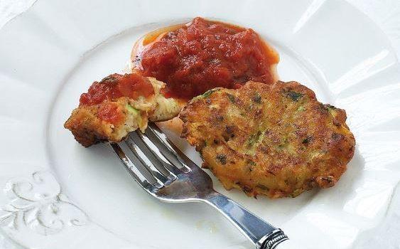 Κολοκυθοκεφτέδες με σάλτσα ντομάτας
