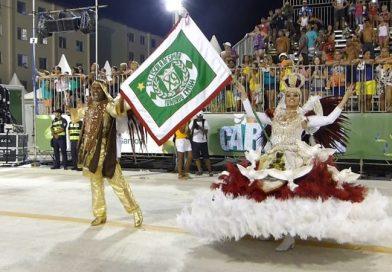 X9 de Santos lembra o 'imortal' sambista de bamba!