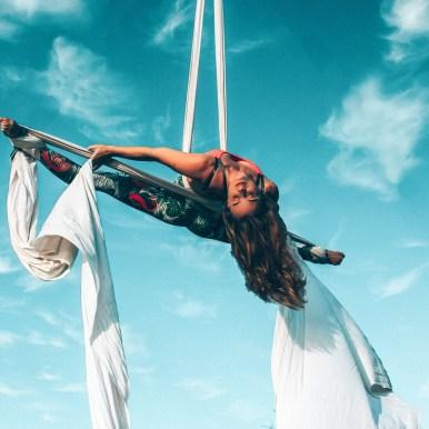 Aerial Silks Crossback Straddle