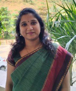 Mrs. Smita Kuldiwar Lecturer