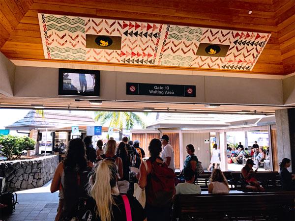 Hawaii Kona Big Island Airport Outdoors boarding on tarmac