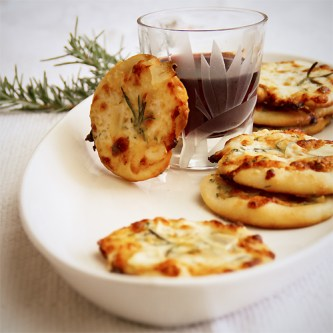 Garlic Rosemary Pizzettes | Sippity Sup