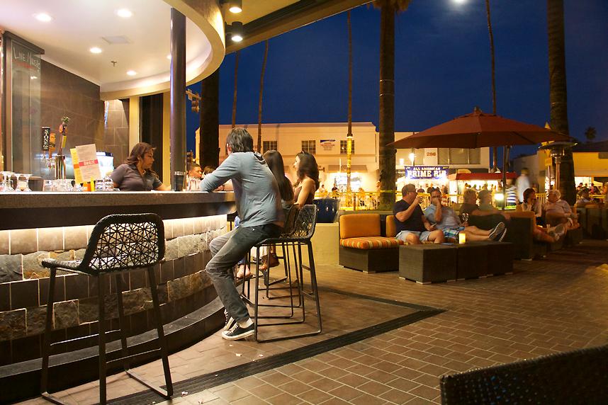 Hyatt HooDoo Lounge Palm Springs