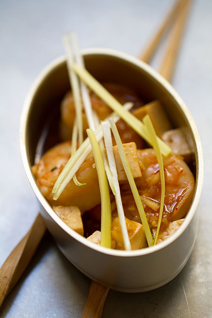 Simple Shrimp Stir-Fry with Tofu and Leeks
