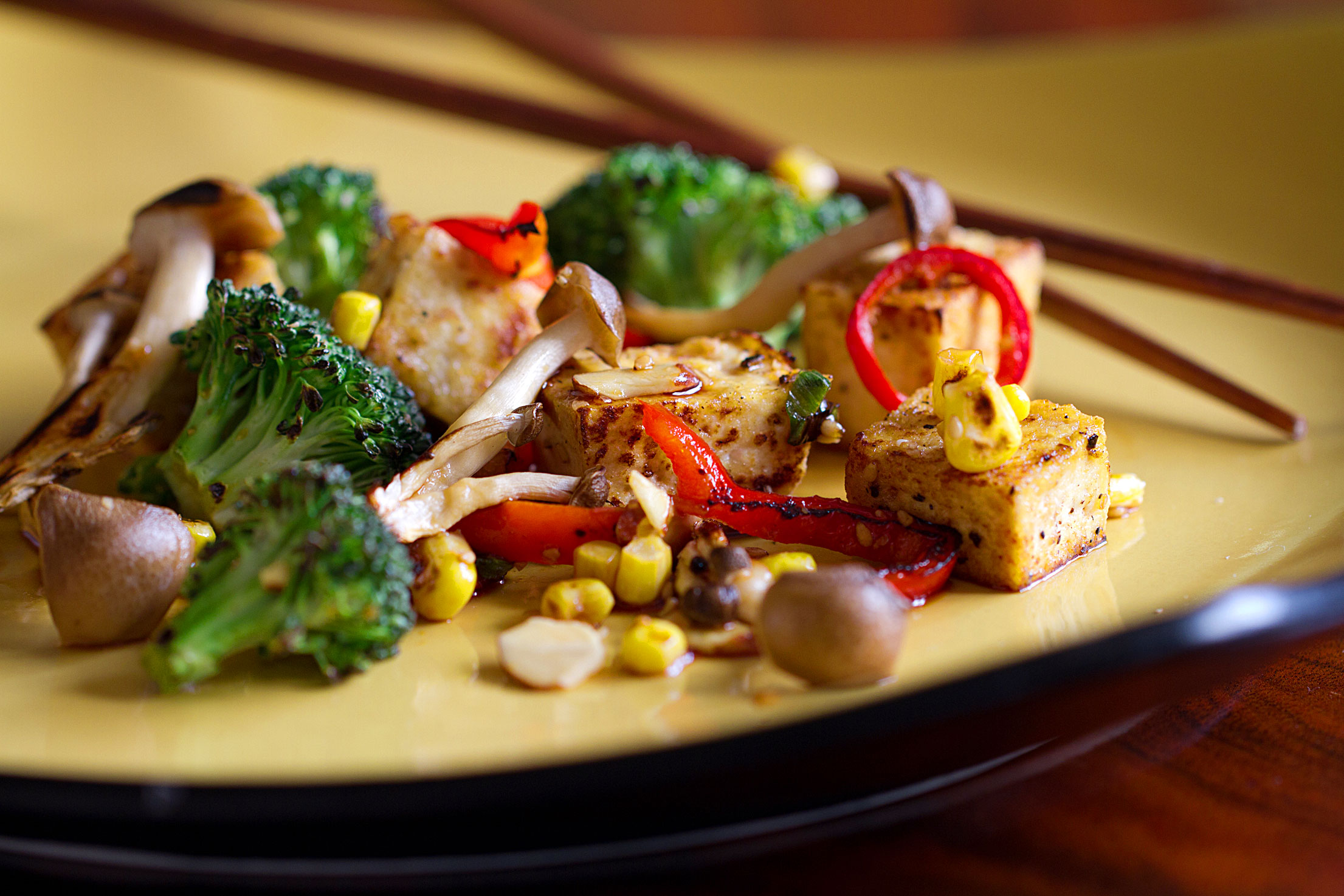 Tofu Stir-Fry with Veggies and Beech Mushrooms