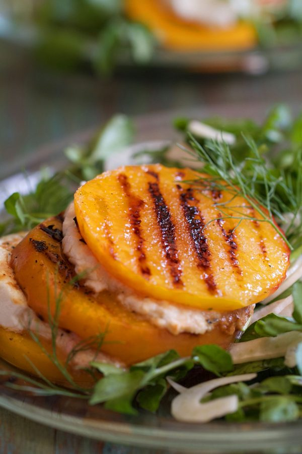 Grilled peaches with fennel and goat cheese
