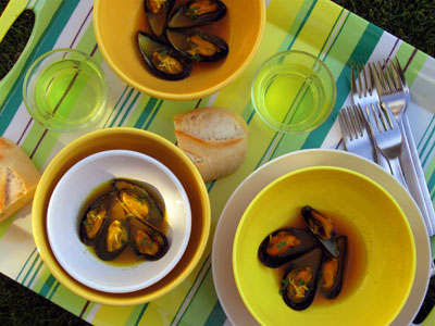 Steamed Museels with Mustard and Saffron Broth