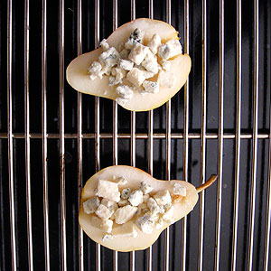 baking pears with gorgonzola