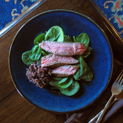rib eye steak with shallots