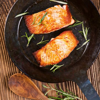 How to cook frozen salmon in a skillet