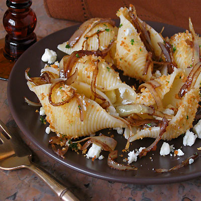 Pasta Shells with Gorgonzola and Onions