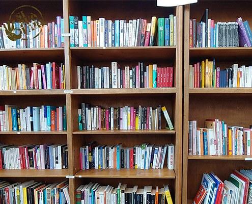 libri usati al Mercato dell'Usato Solidale Si Può Fare