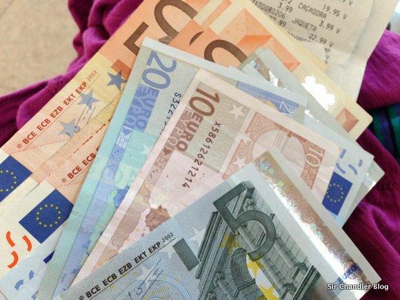 Dólar ahorro: o como vuelve a ser útil la extracción con débito