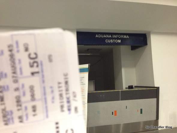 Aduana de Aeroparque: vuelva en un rato