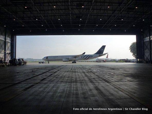 Buenas fotos del nuevo Airbus 340 para Aerolíneas Argentinas con los colores Skyteam