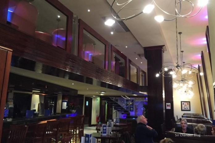 holiday-inn-express-bar