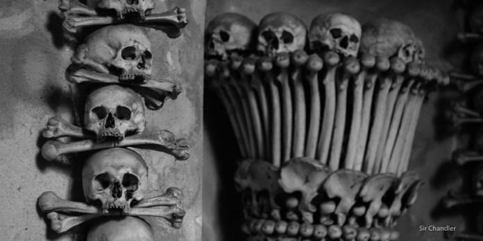 La capilla de los huesos (cerca de Praga)