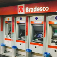 ¿Cómo pueden enviar dinero los familiares a los argentinos varados por el mundo?