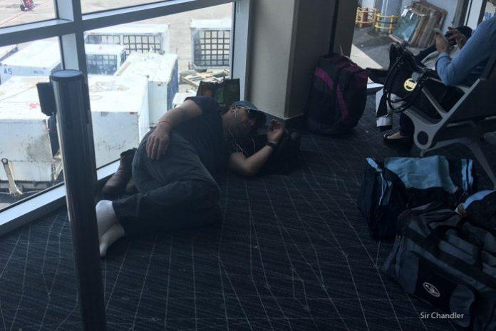 13-dormidos-aeropuerto