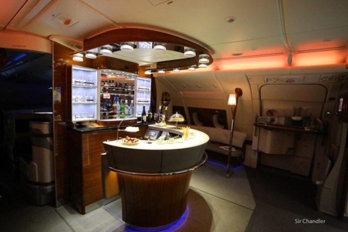 emirates-airbus-380-9487