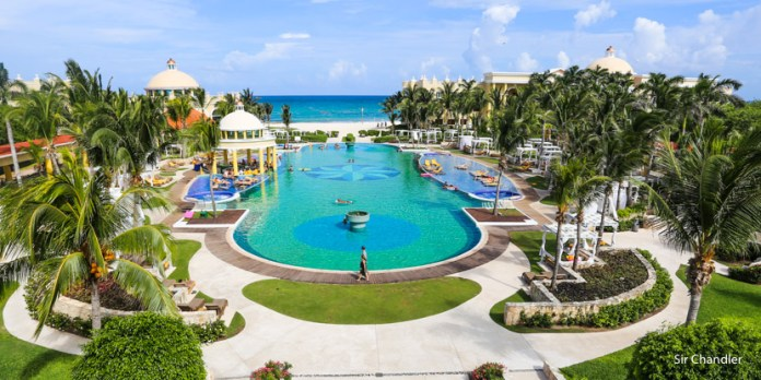 El Iberostar Grand Paraiso de Riviera Maya – la suite y el desayuno (I/II)