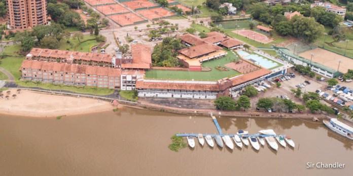 El hotel Yacht & Golf Club de Asunción