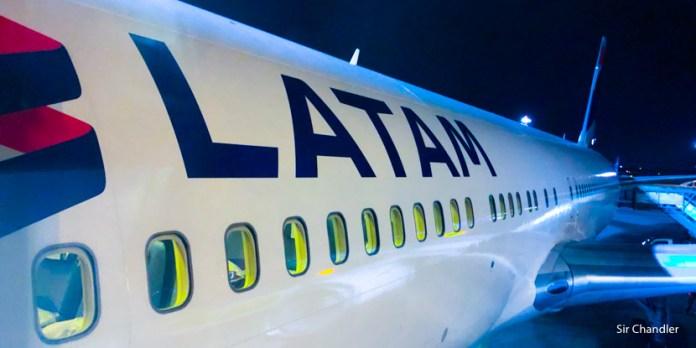 El vuelo directo a Miami de Latam en Business con cupones de upgrade (mega post)