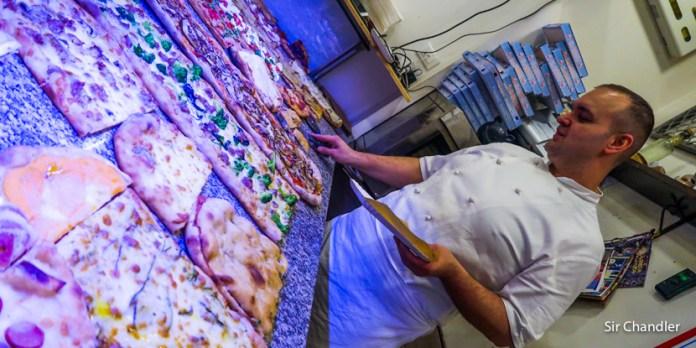 Una escondida pizza italiana en Roma