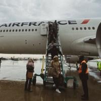 """Air France y KLM vienen vacíos pero venden para repatriar """"hacia allá"""""""