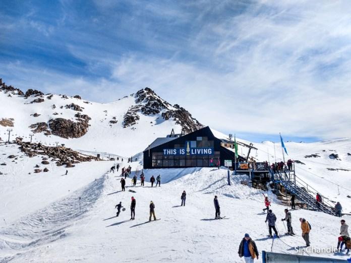Arranca el esquí en el Catedral… para los barilochenses