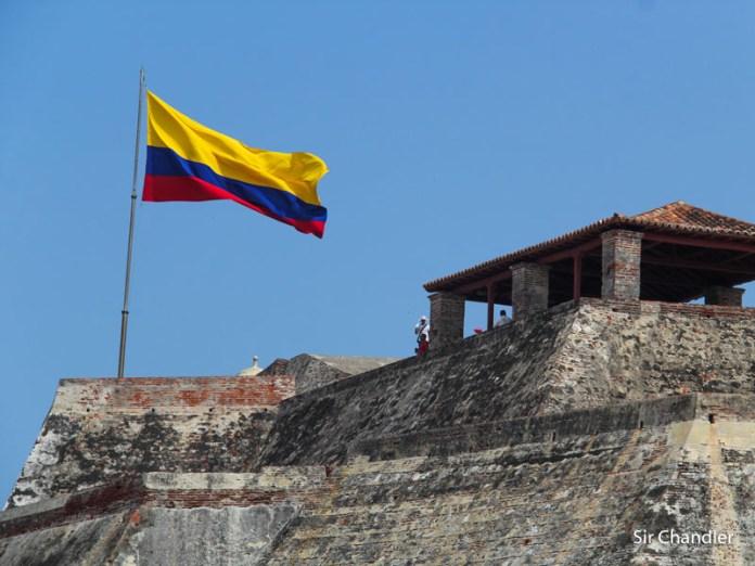 Colombia vuelve a pedir test PCR para ingresar o lo hace al arribo