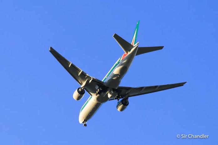 Alitalia suspende los vuelos con la Argentina y vuelve en abril