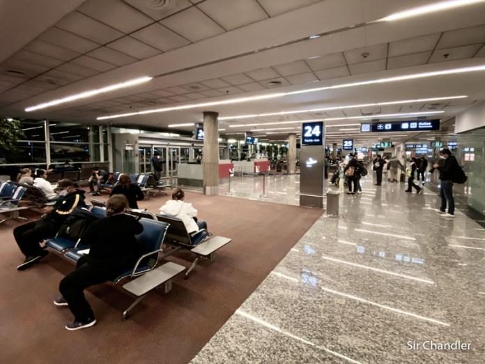 El formulario para viajar en avión dentro del país ya permite extranjeros no limítrofes