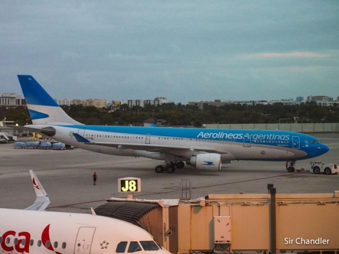 Aerolíneas Argentinas pasará a nueve vuelos por semana a Miami en junio