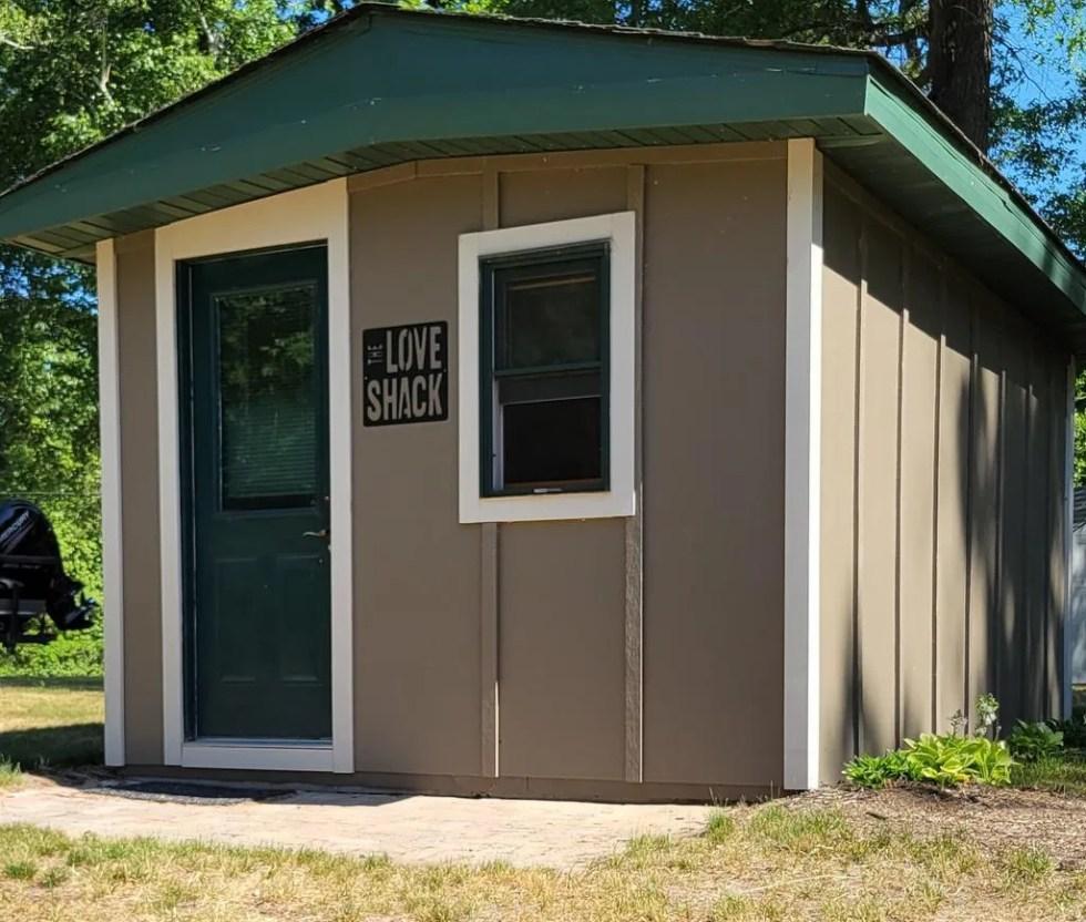 custom love shack house