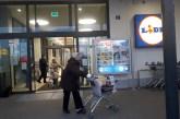 Stariji Mitrovčani jutros u kupovini