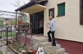 Podela paketa pomoći penzionerima u Mačvanskoj Mitrovici