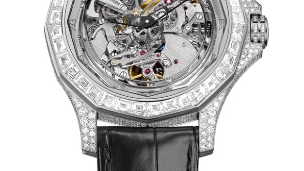 Corum_Admiral-s_Cup_Legend_46_Minute_Repeater_Acoustica1_640_360_s_c1_center_center