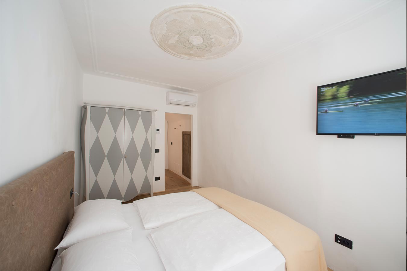 Bed And Breakfast In Bolzano Italy Welcome To Sir Thomas
