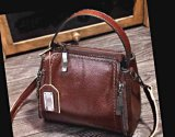 Chelsea: Superb Messenger Bag