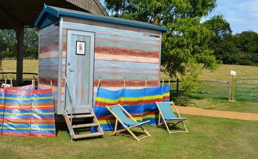 Beach Hut luxury loo hire