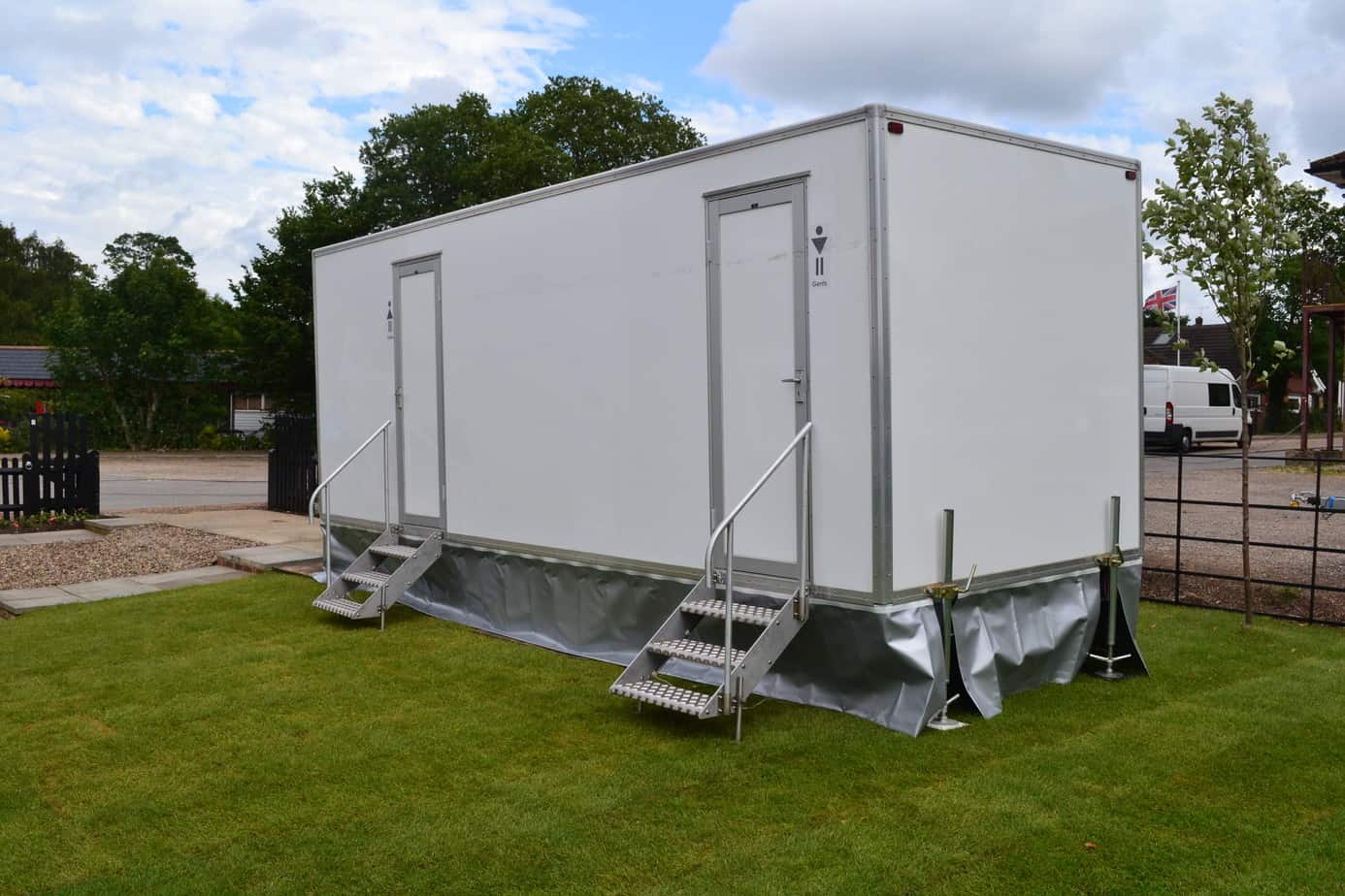 4+2 luxury toilet trailer for sale