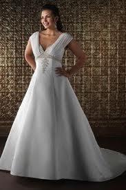 Vestido para suavizar os braços da noiva cheinha
