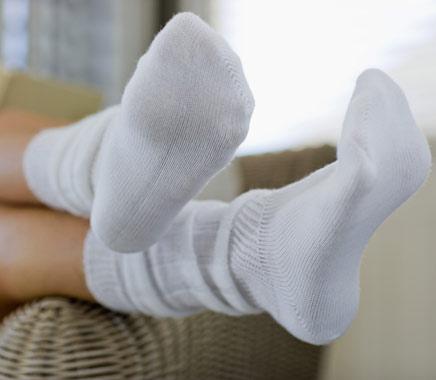 pés de princesa com meias
