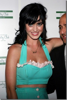 Katy Perry usando bustiê