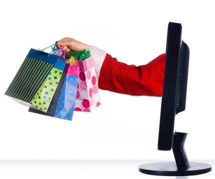 finalizando a compra em uma loja de roupas online