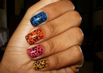 Experimente novas cores e obtenha combinações divertidas para as suas unhas